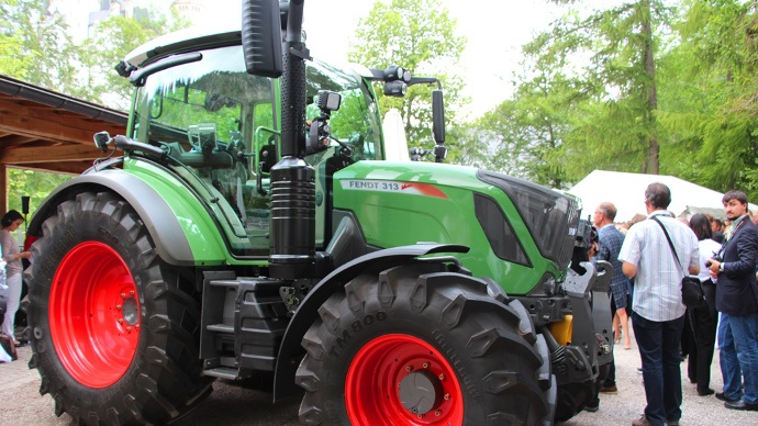 Tracteur Fendt 300 Vario Stage Iv Tier 4 Final