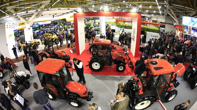 Eima 2014 le salon de bologne consacr au machinisme for Salon du materiel agricole